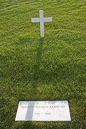Robert_F._Kennedy_grave_in_Arlington_National_Cemetery